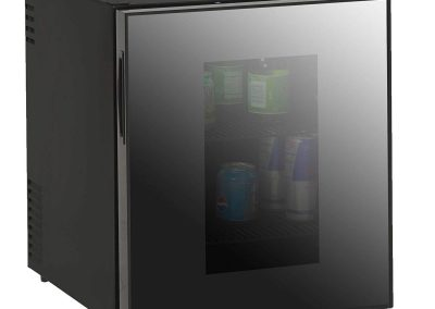 Avanti 1.7-Cubic Foot Superconductor Beverage Cooler W-Mirrored Finish Glass Door