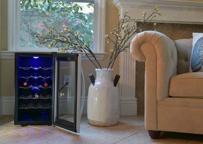 Avalon Bay AB-WINE18S Wine Fridge 18 Bottle Black-Silver_2